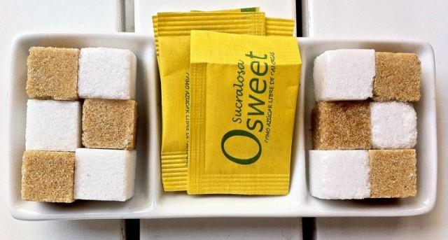 """Las calorías del azúcar blanco se consideran """"calorías vacías"""", debido a la pérdida de los nutrientes durante su procesamiento y refinado."""