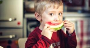 La niñez es una etapa de crecimiento y desarrollo, y una buena nutrición es fundamental.