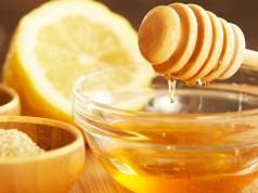 Las propiedades cicatrizantes y humectantes de la miel la hacen el ingrediente número uno de cremas y ungüentos.