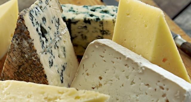 Alimento ideal para cualquier edad, los quesos frescos tienen un mayor contenido de agua y menor aporte calórico.